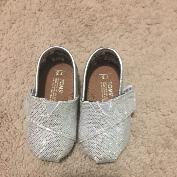 Toms Size 3 Silver Glitter Baby Shoes
